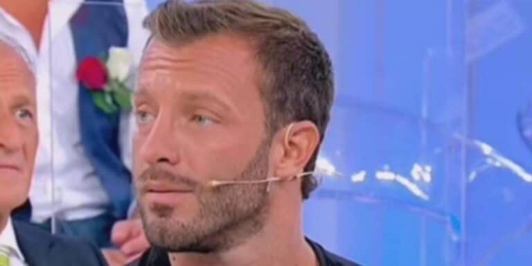 Michele Dentice, ex Uomini e Donne, ha trovato un nuovo amore? La dama toglie il fiato a tutti (FOTO)