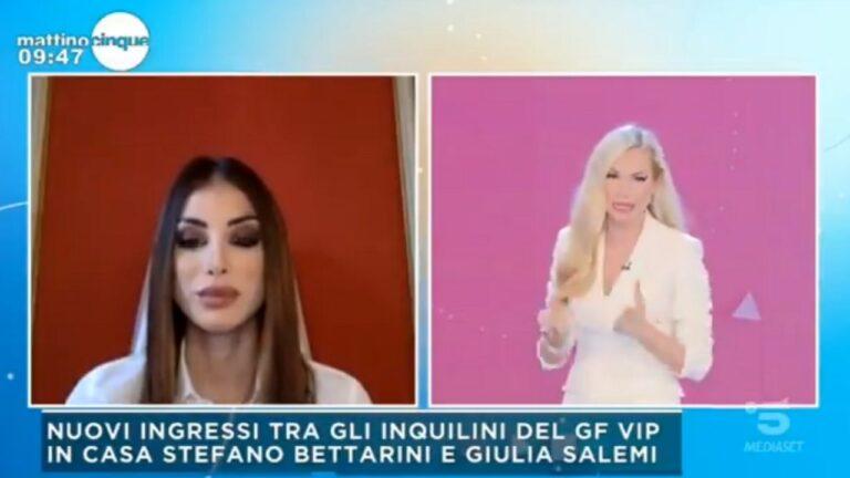 """Nicoletta Larini difende Stefano Bettarini a Mattino 5: """"Non è bestemmia, è un intercalare"""" in studio è caos (VIDEO)"""