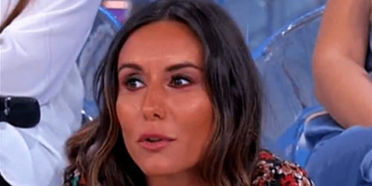 """Segnalazione su Veronica di Uomini e Donne: """"Messaggi compromettenti con un ex del trono over"""" (FOTO)"""