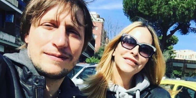 """Simone Gianlorenzi, marito di Stefania Orlando, spara a zero sul GF Vip: """"Preparatevi al peggio"""" (FOTO)"""