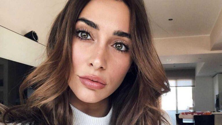 """GF Vip, Sonia Lorenzini svela i retroscena del backstage: """"Massimiliano non salutava mai, ora mi fa il baciamano"""" (VIDEO)"""