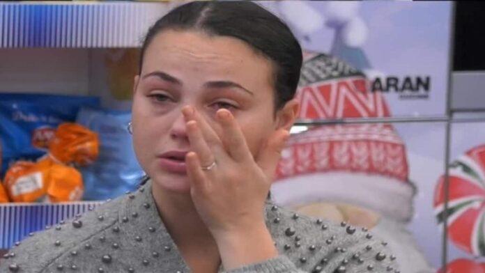 Rosalinda Cannavò in lacrime