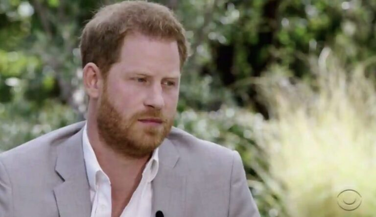 """Principe Harry: """"I reali ci hanno lasciato senza soldi, mio padre non mi risponde più. Mia madre aveva previsto tutto"""" (VIDEO)"""