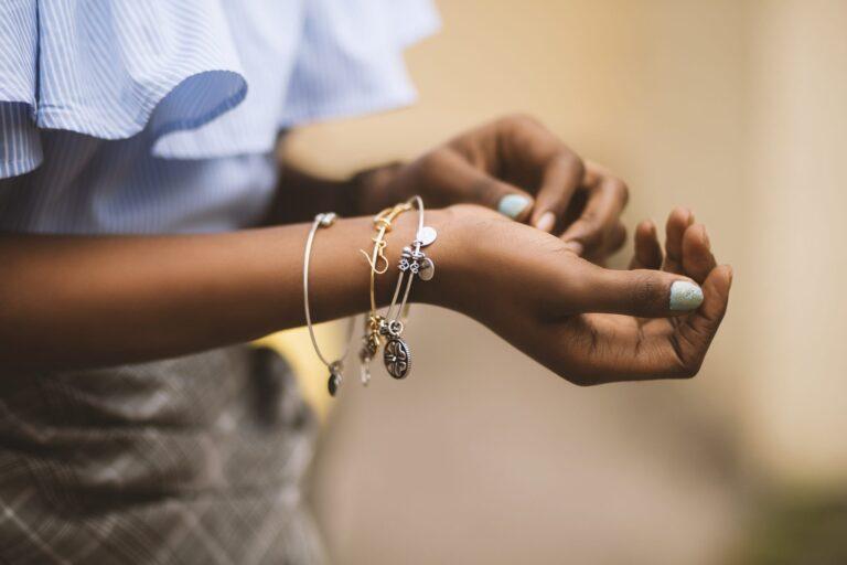 Come scegliere il bracciale da donna perfetto