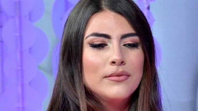"""Isola dei Famosi, denuncia di Giulia Salemi: """"Come è stata ridotta dal branco"""""""