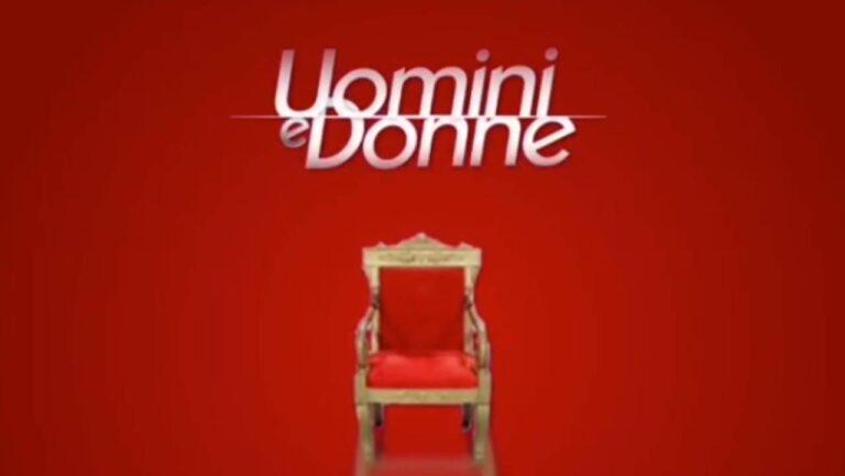 Uomini e Donne, una ex scelta in dolce attesa, svelato il sesso in diretta, la clip è commovente (VIDEO)