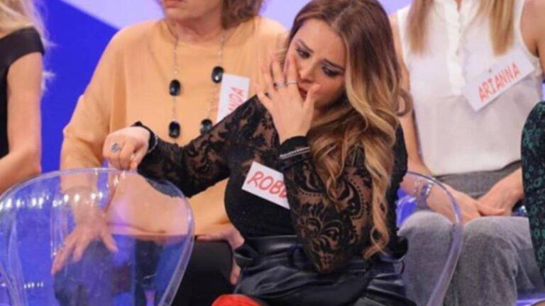 """Nuova delusione per Roberta Di Padua, frecciatina ad un uomo misterioso: """"Fanno sempre gli stessi errori"""" (FOTO)"""