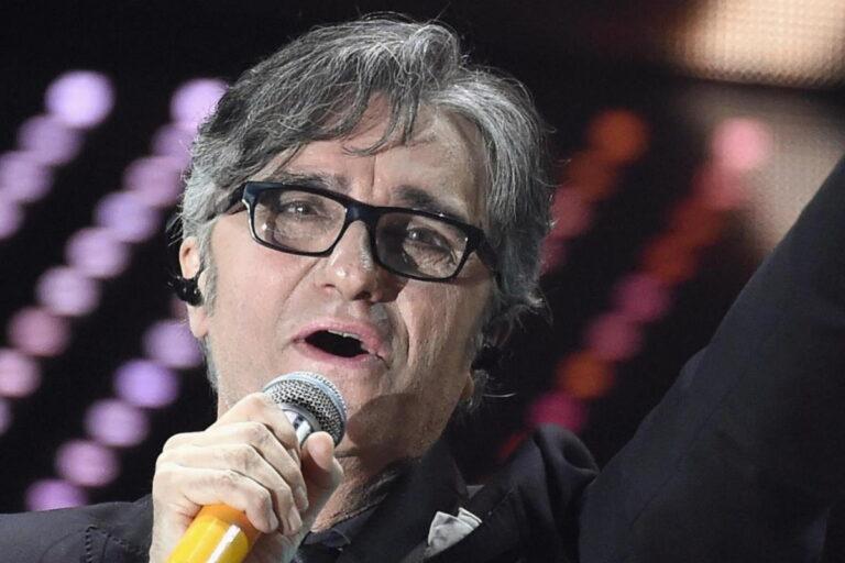 Gaetano Curreri, il cantante degli Stadio: Grave malore sul palco