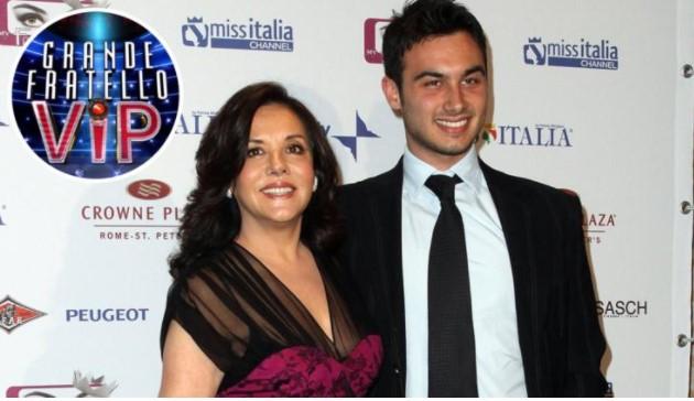 Nicola Pisu e la madre Patrizia Mirigliani